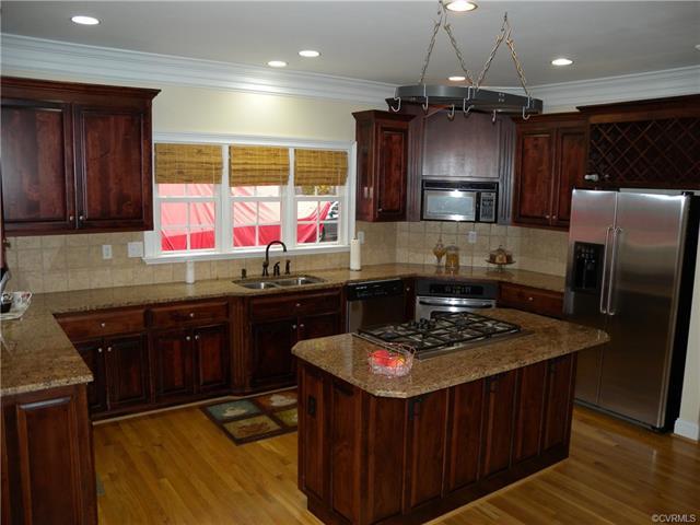 13512 Corapeake Pl kitchen3
