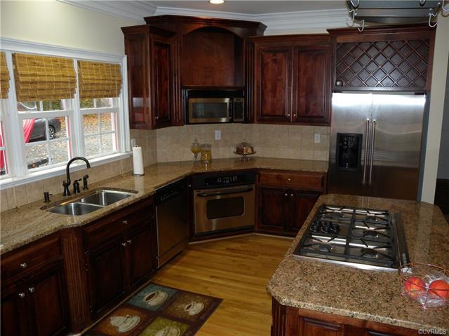 13512 Corapeake Pl kitchen4