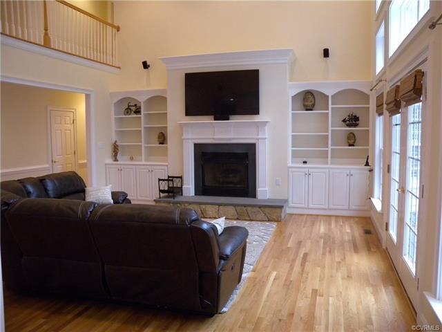 13512 Corapeake Pl living room