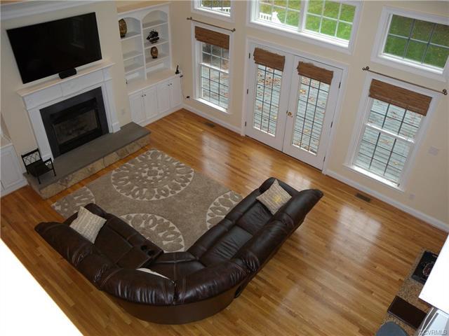 13512 Corapeake Pl living room4